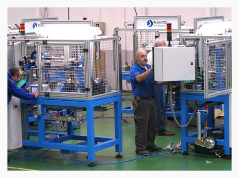 Vista general máquinas para control dimensional de horquillas de cambio automático para sector de Automoción