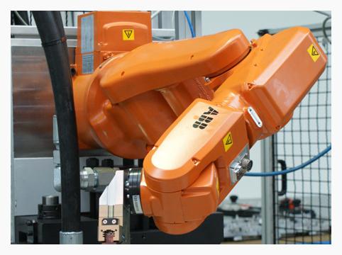 Robot para ensamblaje de piezas