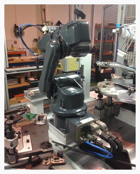 Robot para manipulación en control por visión y marcado de piezas
